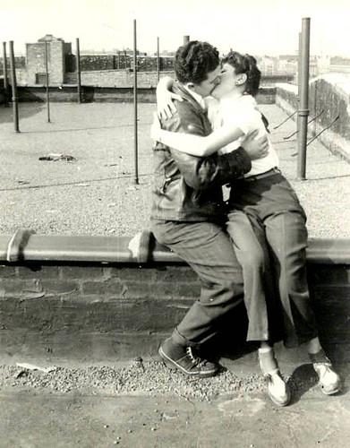 Mom&Dad kiss