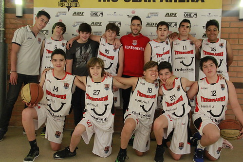 "Día 1 Torneo 1r de Maig • <a style=""font-size:0.8em;"" href=""http://www.flickr.com/photos/140042345@N02/26982854197/"" target=""_blank"">View on Flickr</a>"