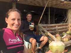 Hart verdiente Kokosnuss auf dem Pass