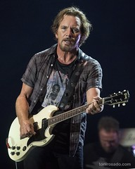 "Pearl Jam - Mad Cool Festival 2018 - Jueves - 3 - M63C4988-2 • <a style=""font-size:0.8em;"" href=""http://www.flickr.com/photos/10290099@N07/28515918107/"" target=""_blank"">View on Flickr</a>"
