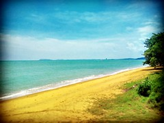 Straits of Malacca https://goo.gl/maps/sQtBT21jaJD2  #travel #holiday #Asian #Malaysia #Malacca #travelMalaysia #holidayMalaysia #旅行 #度假 #亚洲 #马来西亚 #马六甲 #melaka #trip #traveling #beach #海滩 #pantai #bluesky #outdoor #nature #大自然 #马来西亚度假 #蓝天 #tree #外景 #blueo