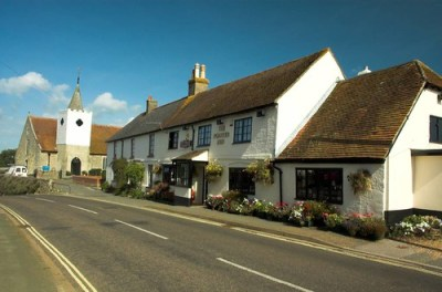 The Pointer Inn, (c)Dave2638 via Flickr