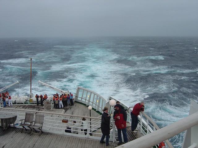 QE2 Stern crossing the Atlantic 2004