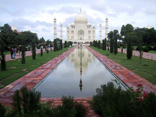 25 Awesome Places You Must Visit Before You Die chalbatohi taj mahal