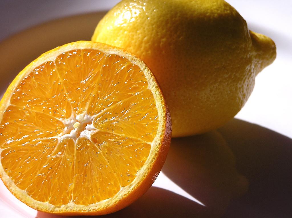 Imagen gratis de una naranja y un limón