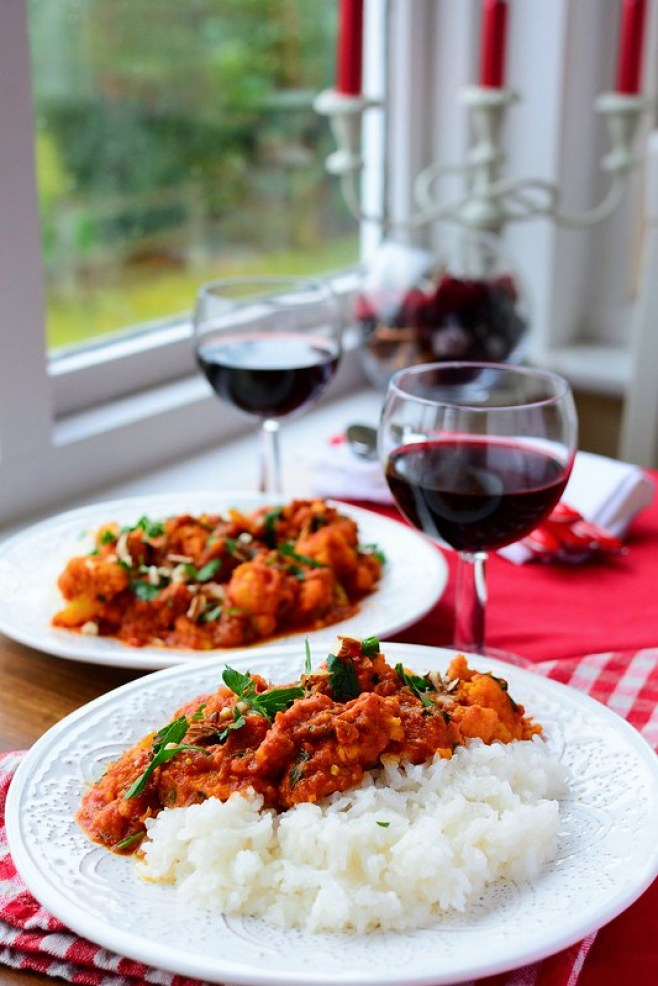 Spicy Chicken and Cauliflower Curry