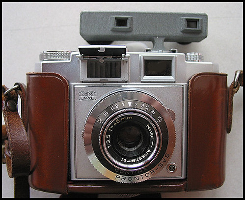 Zeiss Ikon Contina IIa by William J. Gibson, the Canuckshutterer