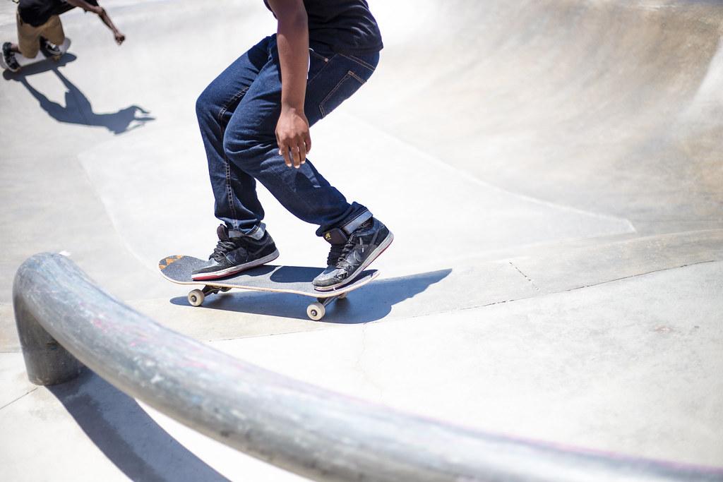 Imagen gratis de patinadores patinando en una pista