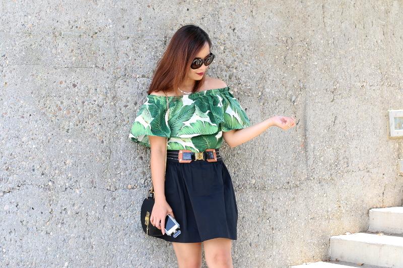 Palm-leaf-print-off-shoulder-black-skirt