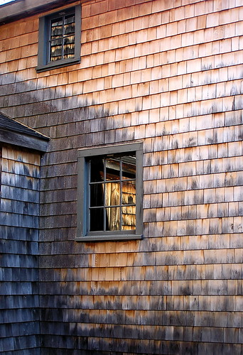 Cedar shingles (Photo: Muffet/Flickr)