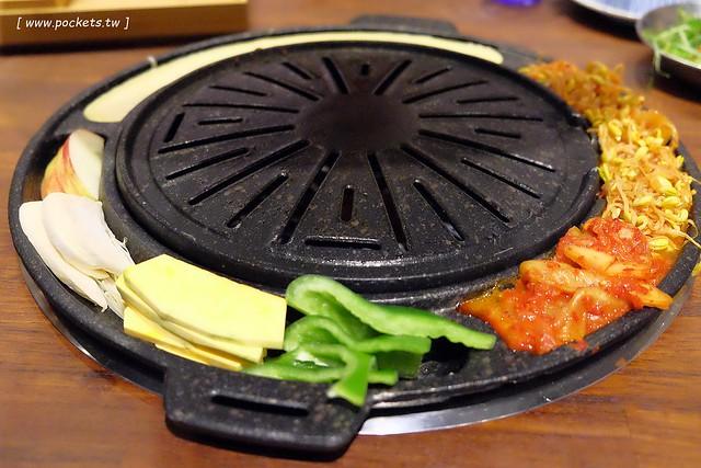31268313910 487a451fc3 z - 滋滋咕嚕쩝쩝꿀꺽韓式烤肉專門店:藝人納豆開的韓式烤肉店(已歇業