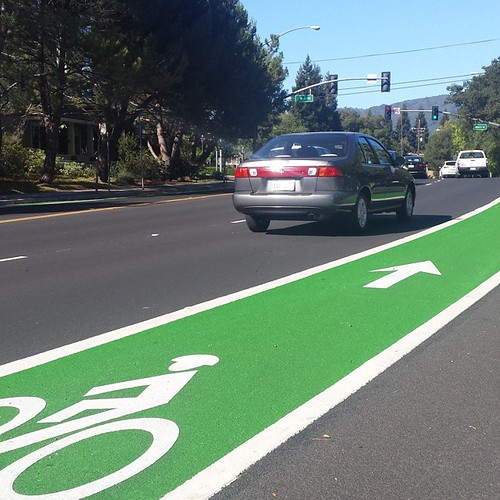 When did Los Gatos get these shiny new green bike lanes on Blossom Hill Road?    #losgatos #Cycling