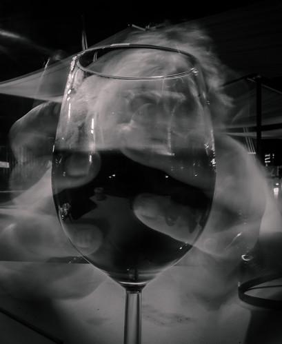 Grasp the wine