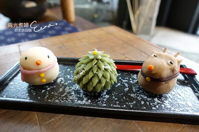 【天母】三日月茶空間(和菓子)~Merry Christmas上生菓子, 靜瑜珈 給您截然不同的瑜珈體驗瑜珈教室中的精品