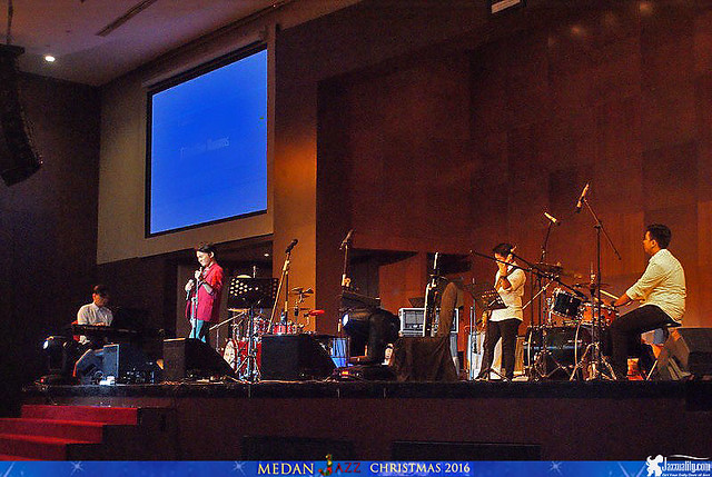 Medan Christmas Jazz - Calvin Jeremy (2)