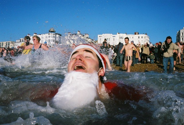 x-mass day swim - santa feeling the rush