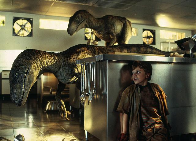 jurassic-park-raptors-kitchen