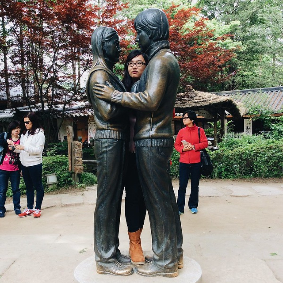 A copper statue of the famous actors of Endless Love Winter Sonata