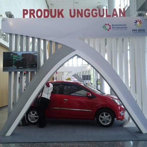 #ProdukUnggulan bidang Otomotif dipamerkan di @ppi2015 #GrandCitySurabaya. Beberapa produk otomotif yang dipamerkan terdapat #MobilMiniOffroad Fin Komodo, Motor Niaga, serta #mobillistrik ELVI #BanggaProdukIndonesia #SeruPPI2015 #Mobil