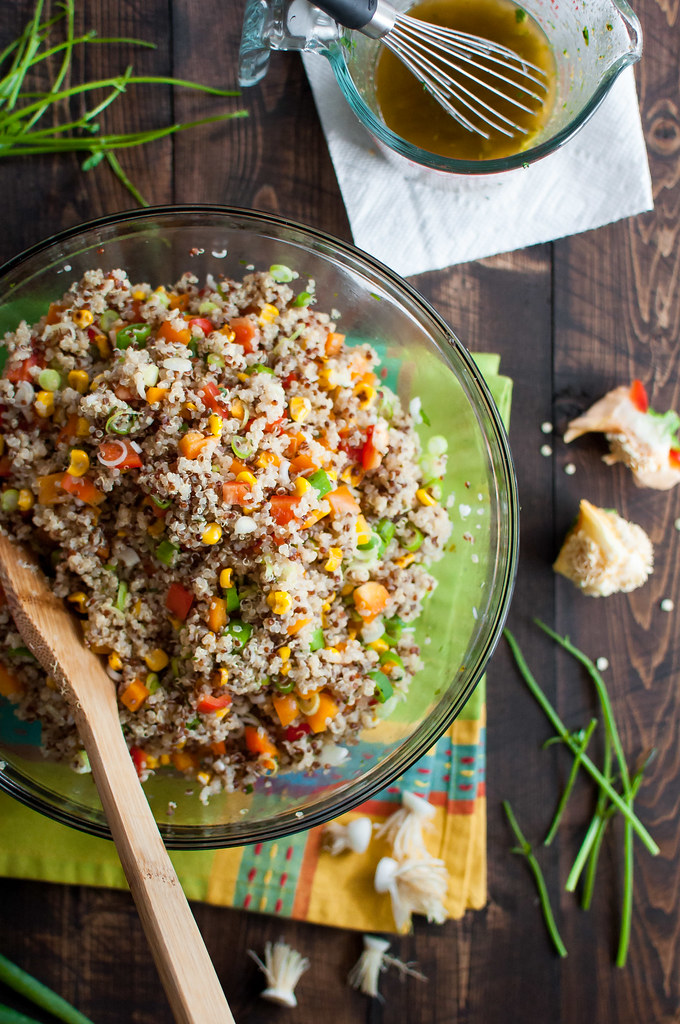 Quick and healthy Southwest quinoa salad and lime vinaigrette