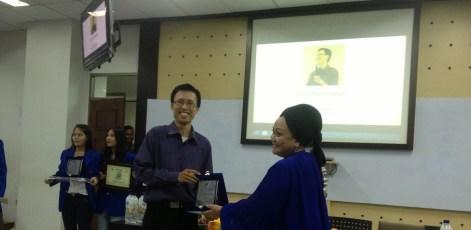 Pelatihan Menggunakan Social Media secara Produktif @ Universitas Esa Unggul