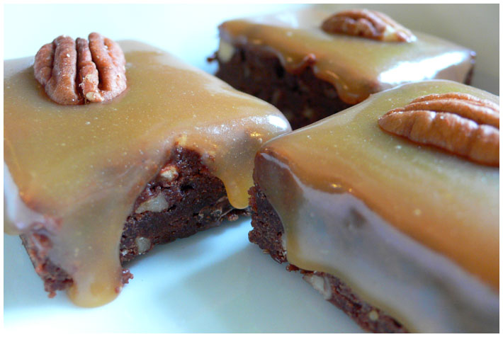 Dark Chocolate Caramel Turtle Brownies by Elaine Ashton (hfb) on Flickr