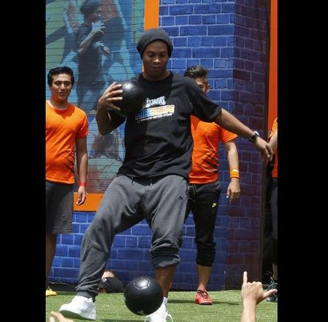 Salí del Querétaro porque quiero ganar un título en Brasil: Ronaldinho