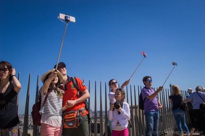 Tourists Arc de Triomphe