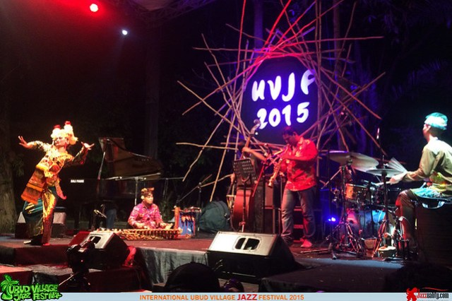 Ubud Village Jazz Festival 2015 - Gustu Brahmanta Rindik Trio (2)