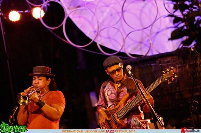 Ubud Village Jazz Festival 2015 - Ito Kurdhi-Rio Sidik (3)