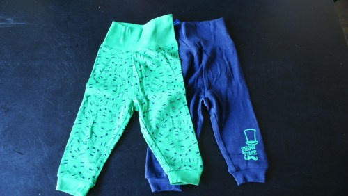 Baby Shoplog Lidl sweat pants hoed snor circus