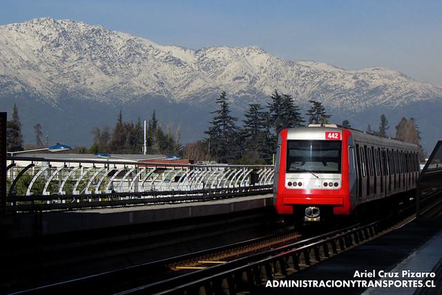 Metro de Santiago - Alstom AS2002 R4442 - Los Quillayes / Elisa Correa (L4)