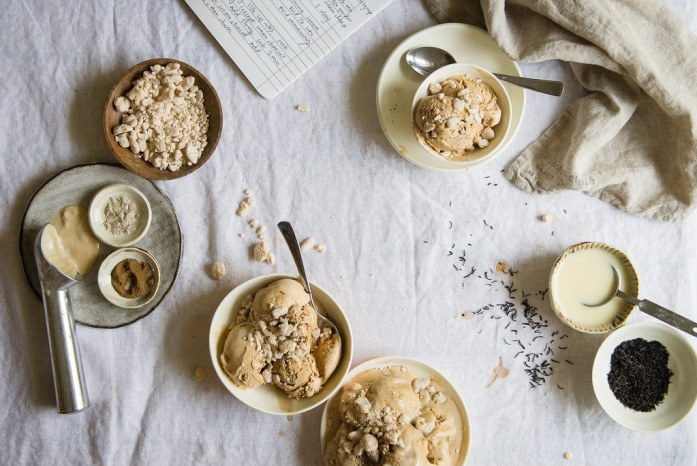 coffee-tea (hong kong yuanyang) ice cream   two red bowls