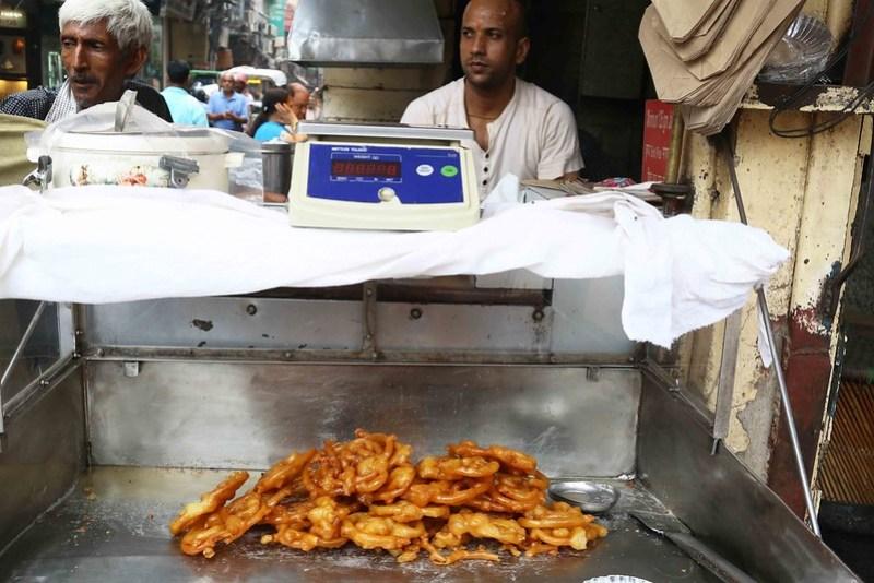 City Food - Jalebi Porn, Old and Famous Jalebi Walan, Chandni Chowk