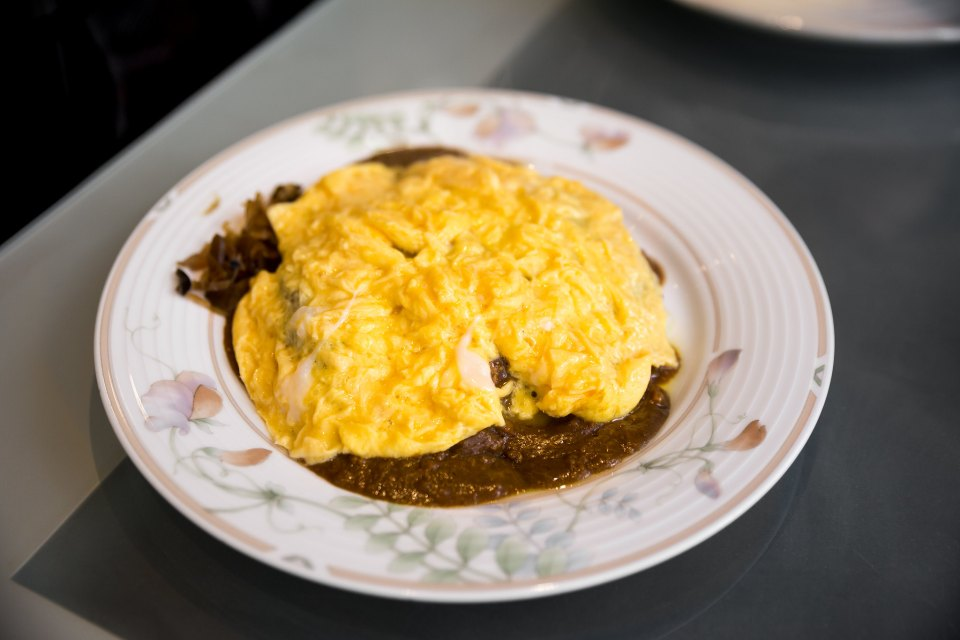 Dry curry omelette at Loup de Mer, Tokyo