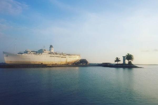 Kapal MV Doulos Phos_01
