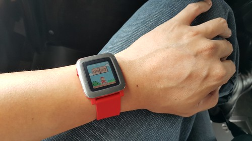 Pebble Time สีแดง ใส่แล้วดูเด่นมาก
