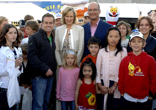 Grant, Kochie & Mel with fans
