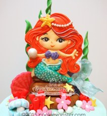 Mermaid cookie-cake topper