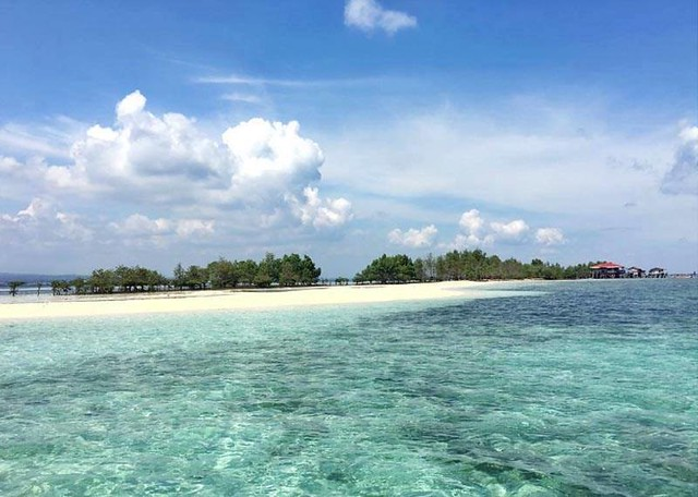Stunning White Sand Vanishing Island In The Philippines - The Vanishing Island In Samal Davao Del Norte
