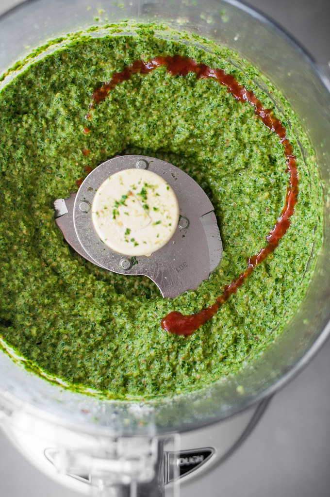 Coconut oil kale pesto - with sriracha! (vegan and nut-free)