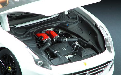 Calif_T_motore1