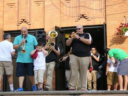 Giglio Feast Williamsburg 2015/ Children's Giglio lift