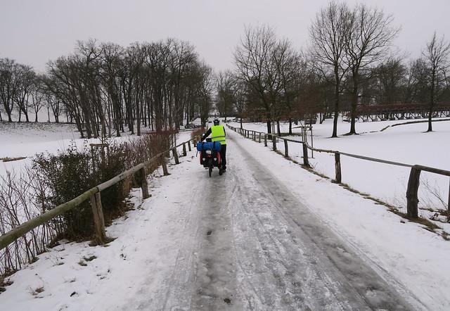 Bicycle path towards Terezin