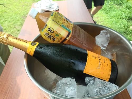 乾杯用のシャンパンですよ!