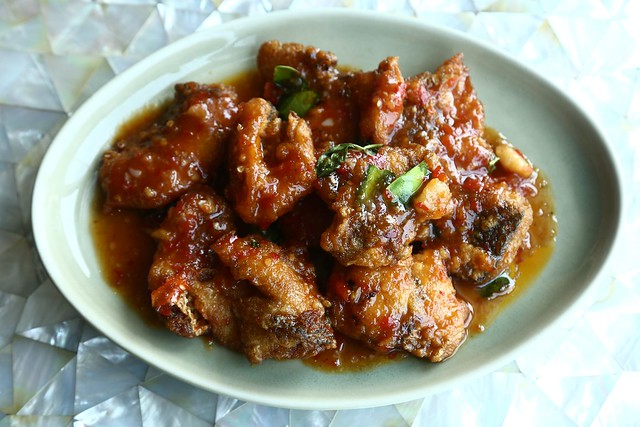 Pla Kra Pong Rad Prik - Fried Red Snapper in Chili Sauce