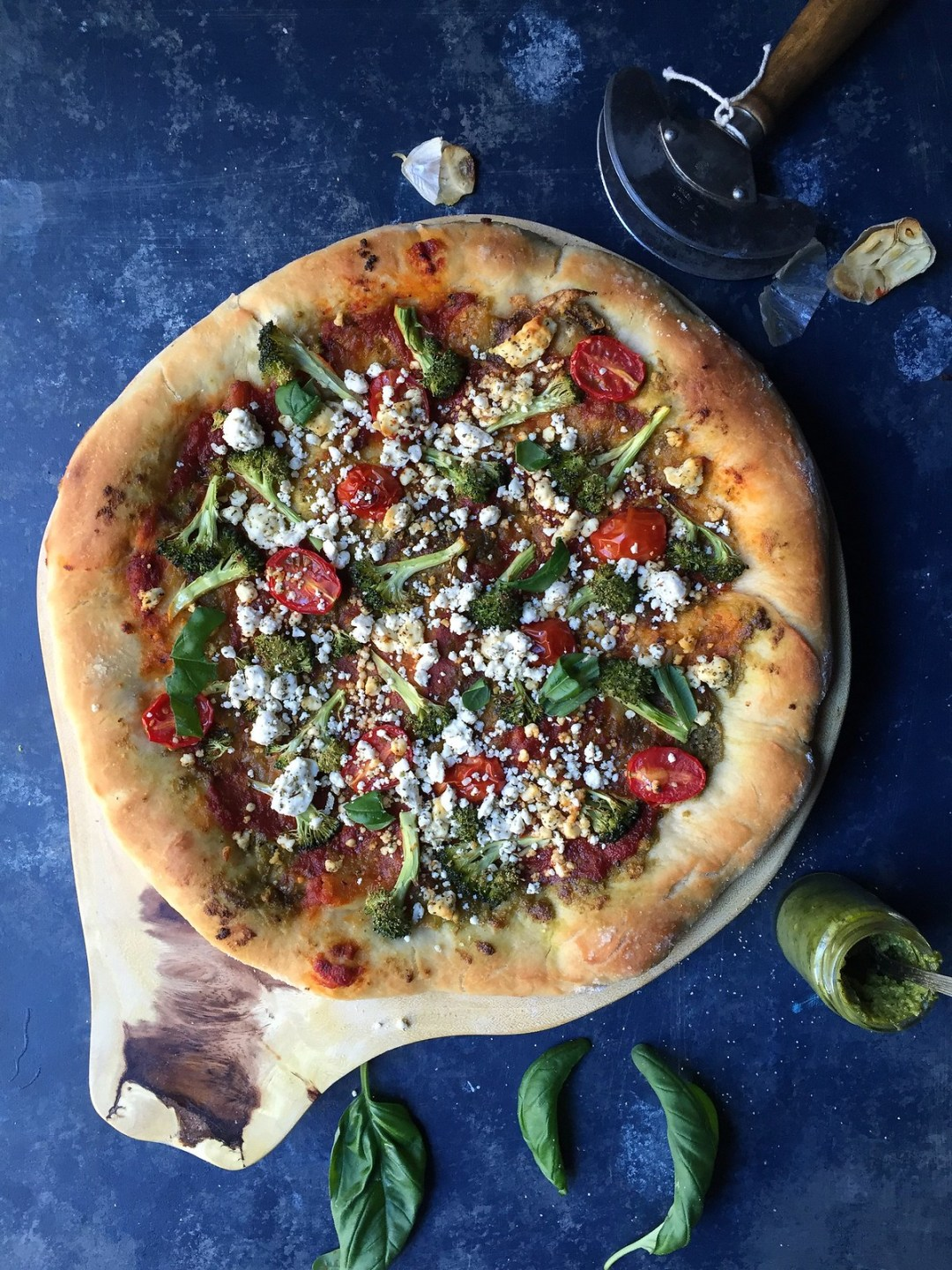 30 minute Broccili Pizza with Rosted Garlic Pesto-Feta Cheese