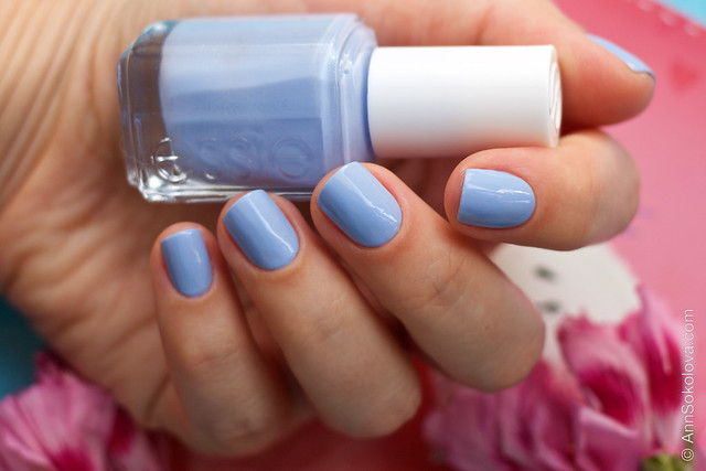 03 Essie Bikini So Teeny