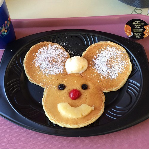 リバーベルテラス名物、ミッキーパンケーキ。ディズニーランドきたなー、って思う。