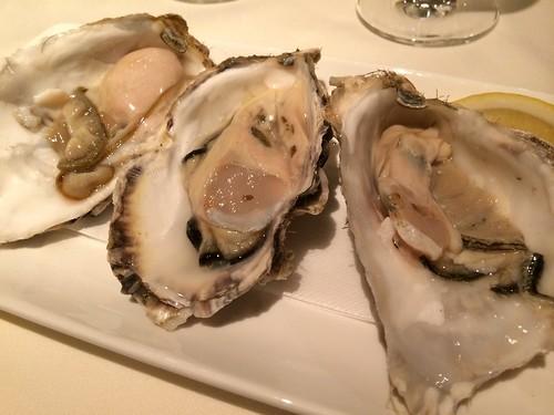 3種の生牡蠣食べ比べ@オステリア・トット